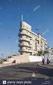 Bauhaus Architektur Merkmale : bauhaus architektur in tel aviv israel stockfoto bild 62694582 alamy ~ Frokenaadalensverden.com Haus und Dekorationen