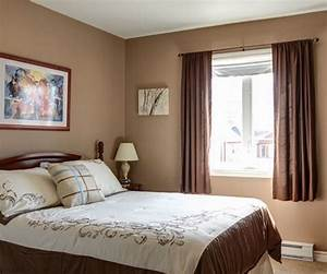 Bedroom window curtains patterns and colors to decorate for Bedroom window curtains brown