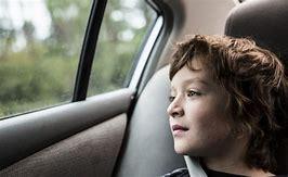 со скольки лет ребенок имеет право ездить на пассажирском переднем