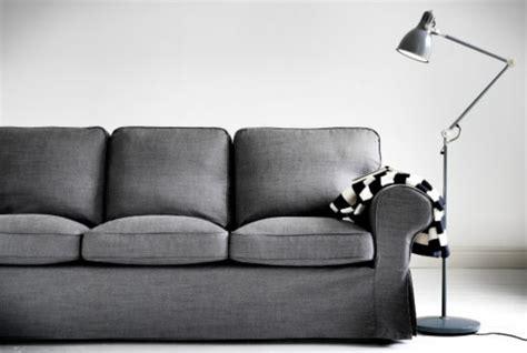 canape ikea gris 32 idées canapé moderne pour le salon