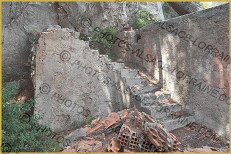 photo de l escalier en ruine 224 l int 233 rieur de la maison de panturle dans le d