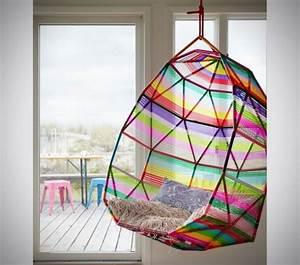 Fauteuil Suspendu Plafond : fauteuil de jardin suspendu en 55 id es de meubles design ~ Teatrodelosmanantiales.com Idées de Décoration