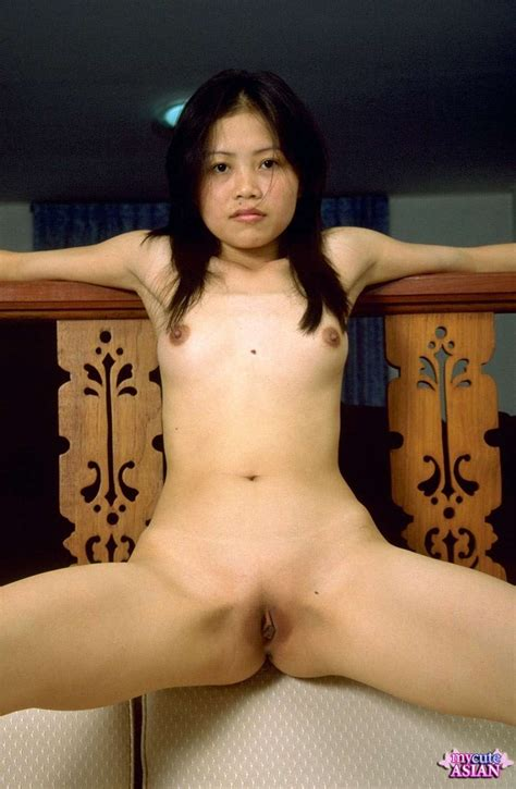 Asian Opens Her Tight Shaved Pussy Young Porno