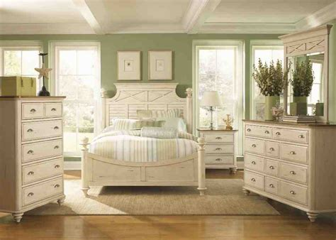 Bedroom Furniture Sets White by Antique White Bedroom Furniture Sets Decor Ideasdecor Ideas