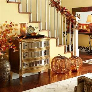 30 cozy fall staircase decor ideas digsdigs for Home decorating ideas for fall