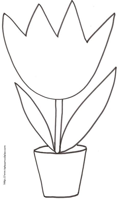 imprimer le coloriage d une grosse tulipe dans pot t 234 te 224 modeler