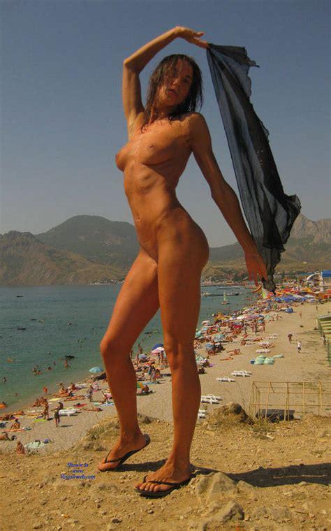 Having Fun In Beach Naked January Voyeur Web Hall Of Fame