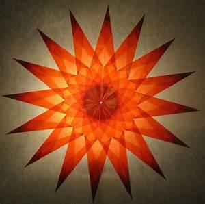 Sterne Aus Papier Falten : roter stern 16 zacken sterne aus transparentpapier basteln ~ Buech-reservation.com Haus und Dekorationen