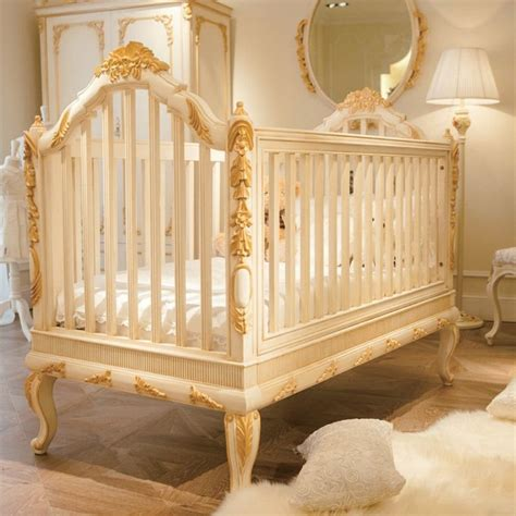 luxury wooden baby cribroyal golden hand carving