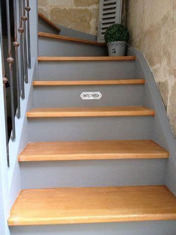 peindre un escalier en gris les 25 meilleures id 233 es concernant escaliers peints sur escaliers peindre des