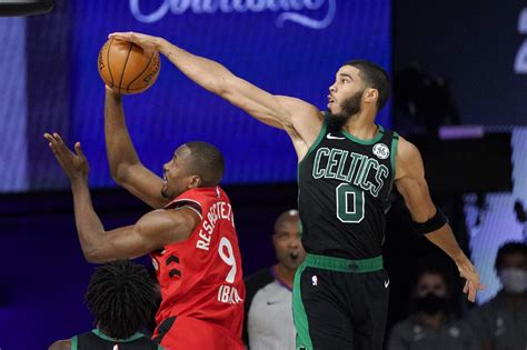 Celtics roll in Game 5, take 3-2 series lead on Raptors