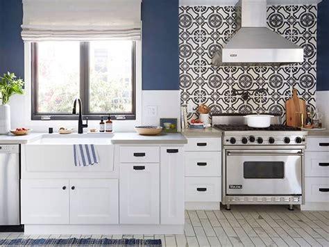 amazing kitchen painted  farrow ball stiffkey blue