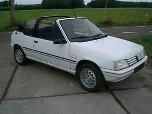 Peugeot 205 Cabriolet : peugeot 205 convertible pininfarina version 1993 catawiki ~ Medecine-chirurgie-esthetiques.com Avis de Voitures