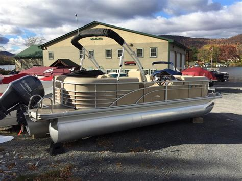 Bennington Pontoon Boat Dealers In Ny by Bennington 2250 Gsr Boats For Sale In Ticonderoga New York