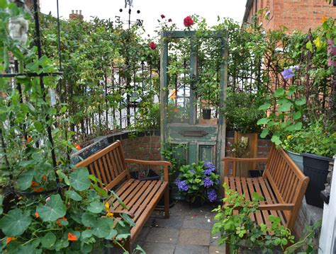 Small Garden : How To Make The Most Of A Small Garden Space
