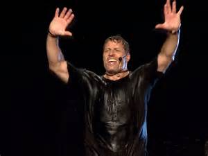 <b>Tony Robbins</b> explains how he sustains a massive amount of energy with ...