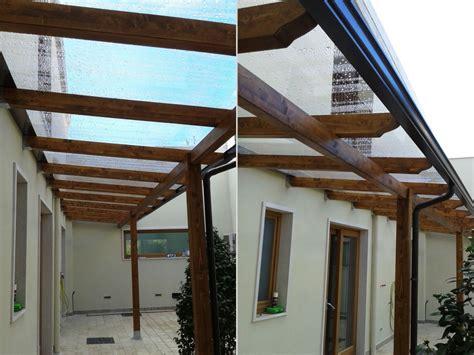 copertura tettoia tettoia con copertura in lastre di policarbonato compatto