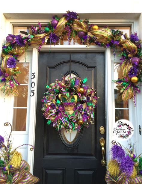 decorate  door  mardi gras