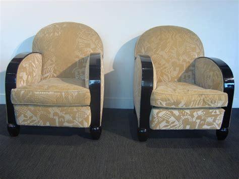 fauteuils deco occasion deux fauteuils deco recouverts de velours beige 224 d 233 cors de