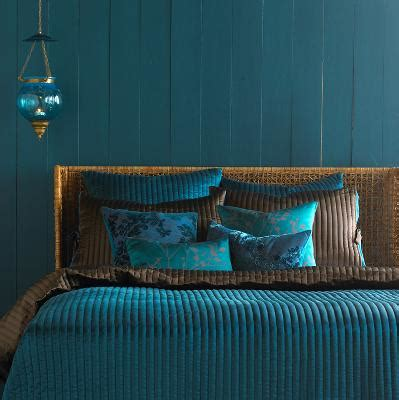peacock color scheme bedroom the influence of peacocks fabrics and frames furniture 16634   max peacock b