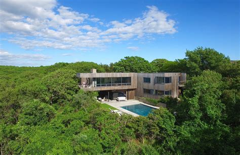 Casa Surrounded By Nature by A Modern Montauk House Surrounded By Nature Lists For 5 45m