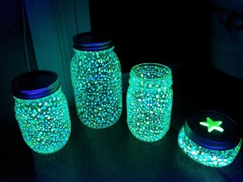 Une Lanterne Fluorescente Pour La Chambre De Vos