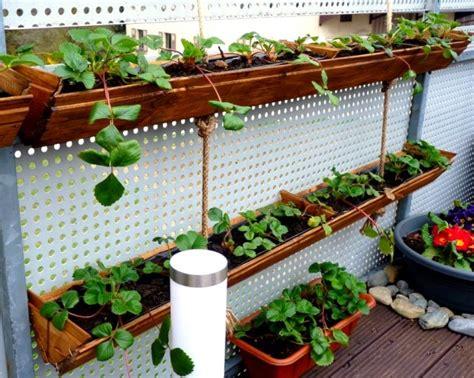 diy cheap landscaping ideas creative diy garden ideas for decorating inexpensively