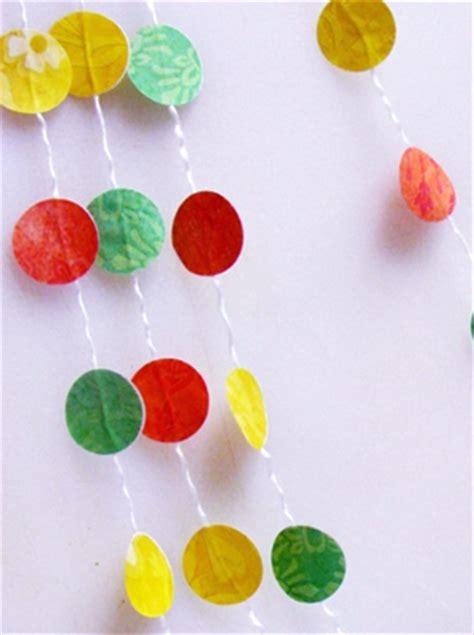 faire une guirlande en papier fabriquer une guirlande en papier momes net