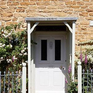 Cottage garden planting in a tight space front garden for Porch interior ideas uk