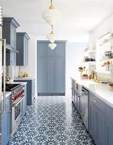 Carreaux de ciment 20 inspirations qui vont vous faire for Best brand of paint for kitchen cabinets with mirrored wall art decor