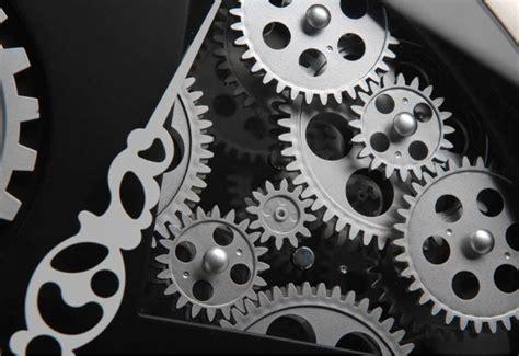 horloge design mecanisme amadeus