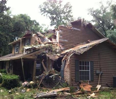 woodlands tx flooding  storm damage cleanup