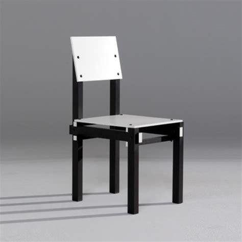 la chaise de rietveld la chaise et bleue par gerrit rietveld quand une pi 232 ce de mobilier 233 finit la