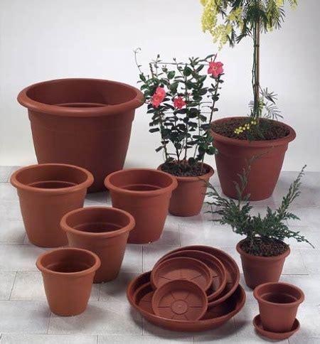 vasi terracotta grandi come pulire i vasi di terracotta rimedi e tecniche per la