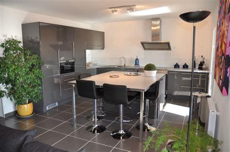 cuisine maison bois conseil deco cuisine decoration cuisine salon post par
