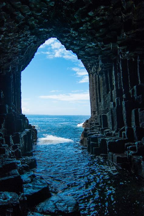 fingals cave isle  staffa  time  visit top tips    guide weather