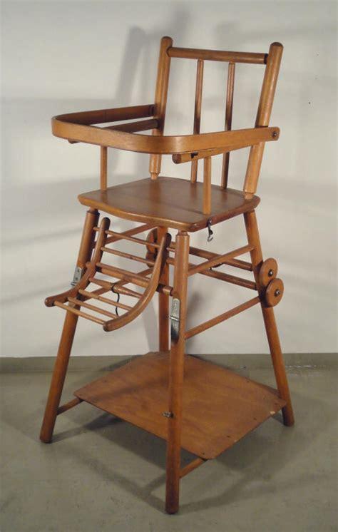 ancienne chaise haute en bois chaises hautes de bébé en bois pliables ées 50 60