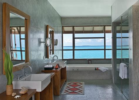 Spectacular Four Seasons Bathrooms