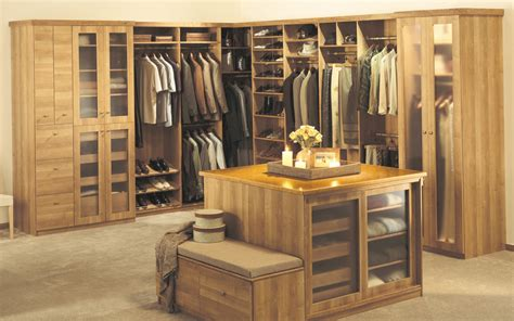 organized your wardrobe with custom closet