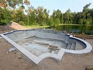 schwimmbad selber machen pool selber bauen swimmingpool im With französischer balkon mit schwimmbad im garten selber bauen