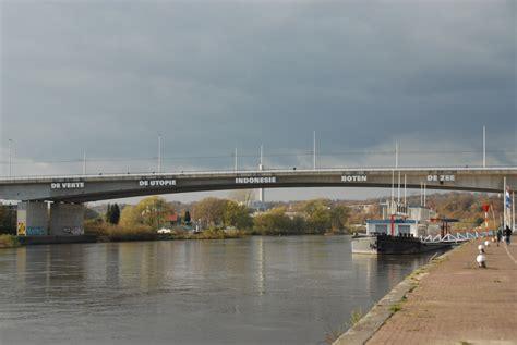 one houses file nelson mandela bridge arnhem jpg wikimedia commons