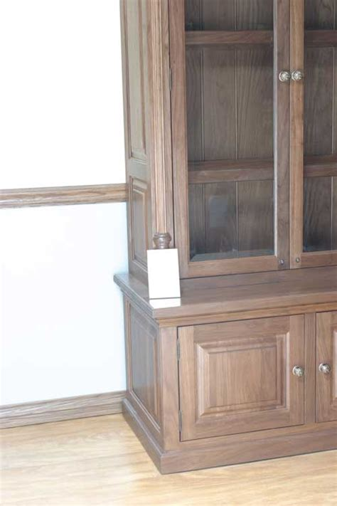amish cabinet makers arthur illinois woodloft walnut cabinet with color correcting block