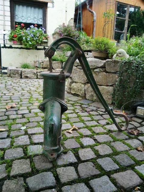 Schöne Deko Für Den Garten by F 252 R Deko Zwecke Im Garten Sch 246 Ne Nostalgische Pumpe In