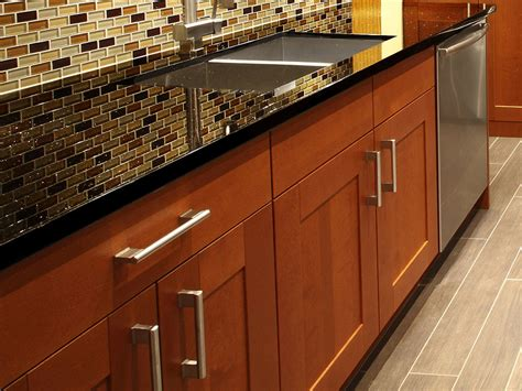 Wholesale Cupboards by Wholesale Cabinets Can Benefit Kitchen Remodeling