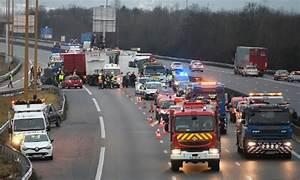 Autoroute A13 Accident : carambolage sur l 39 a13 65 bless s dont cinq graves le point ~ Medecine-chirurgie-esthetiques.com Avis de Voitures