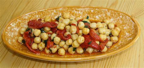 salade de pois chiche et poivrons cuisine du maghreb