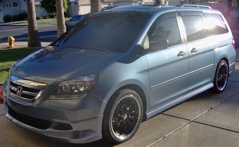 2005 Honda odyssey tire size