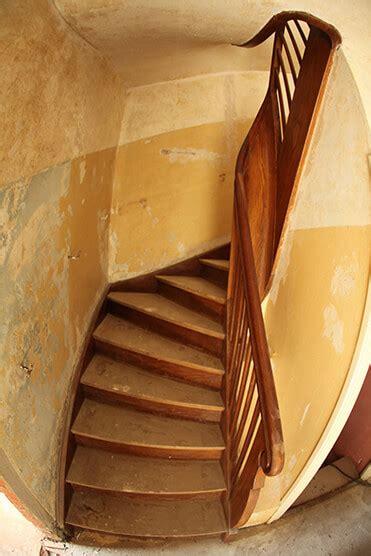 Holzwurm In Treppe by Sanierung In K 246 Ln Und Bonn Komplettsanierung Und Renovierung