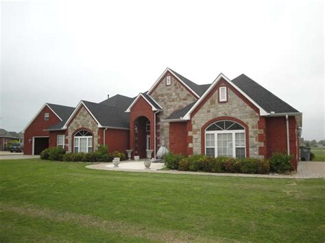 What Is A Hip On A Roof by Hip Vs Gable Roof A Complete Comparison With Pictures