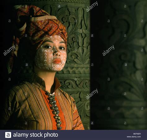 Yakan bride with traditional skin decoration and turban